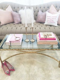 Favorite Ways to Style Your Coffee Table With Caroline Birgmann. Home Decor Inspiration for Living Room. Living Room Inspiration, Home Decor Inspiration, Decor Ideas, Decorating Ideas, Diy Ideas, Theme Ideas, Design Inspiration, Living Room Decor Cozy, Bedroom Decor