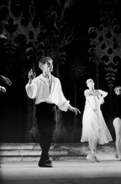 Rudolf Nureev First Ballet in France with Ballet of the Marquis de Cuevas Company Margot Fonteyn, Rudolf Nurejew, Dance Magazine, Male Ballet Dancers, Kinds Of Dance, Nureyev, Russian Ballet, Ballet Beautiful, Dance Art