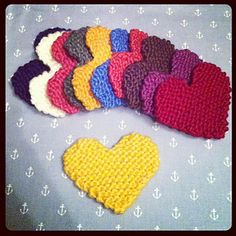 Julie and The Knits: Free Pattern: Knitted Heart Knitted Heart Pattern, Dishcloth Knitting Patterns, Knit Dishcloth, Knitting Stitches, Knit Patterns, Knitting Projects, Crochet Projects, Knitted Washcloths, Knitted Flowers