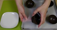 DIY Chocolate Bowl Desserts by DIY Ready at http://diyready.com/how-to-make-a-chocolate-bowl-with-a-balloon/