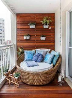Een heerlijke grote stoel voor op je balkon of in een loggia.
