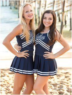 High school cheer team photographer in Orange County - Newport Beach cheerleading Cheerleading Picture Poses, Cheer Poses, High School Cheerleading, Cheerleading Uniforms, Cheerleading Stunting, Cheer Team Pictures, Cute Cheerleaders, Professional Cheerleaders, Cheer Outfits