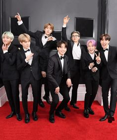 Kookie on an imaginary toilet (mid-jump), Suga is mid-dab, Jimin cannot stop laughing at his broskis, Jin can fly his solo song is wrong, RM waving like the president he is Foto Bts, Bts Photo, Seokjin, Kim Namjoon, Toni Braxton, Bts Boys, Bts Bangtan Boy, Bts Jimin, Bts Taehyung
