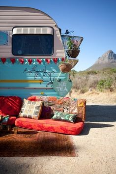 Loving this vintage caravan, brilliant glamping inspiration for designing interiors for our brook bell tents. Vintage Campers, Camping Vintage, Vintage Caravans, Vintage Travel Trailers, Retro Campers, Caravan Vintage, Vintage Gypsy, Vintage Motorhome, Airstream Campers
