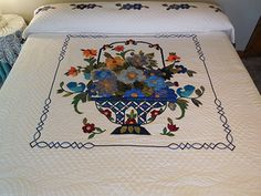 Blue Daisy Quilt -- outstanding skillfully made Amish Quilts from Lancaster (hs6994)