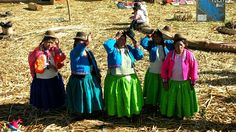 Traditionally dressed Peruvian women #backpacking #culture #kilroy #dresses Peruvian Women, Backpacker, South America, Travel Inspiration, Culture, Pictures, America, Voyage, Photos