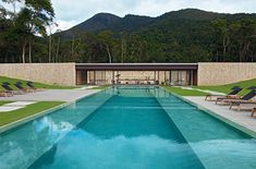 Petrópolis is a popular summer holiday spot amongst the locals of Rio de Janeiro, a perfect place for the clients ofJacobsen Arquitetura
