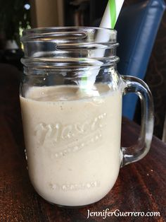 Jen's Roasted Apple Spice Smoothie. JenniferGuerrero.com Roasted Apples, Spiced Apples, Apple Pie Spice, Pumpkin Spice, Cabbage Recipes, Hors D'oeuvres, Smoothies, Mason Jars, Juice