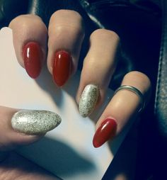 Red and white glitter by nails art.