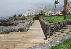 Correa + Estevez Arquitectura - Paseo Maritimo de Las Americas - Tenerife - Paisajismo Remo, Tenerife, Urban Design, Decks, Sidewalk, River, Landscape, Architecture, Santa Cruz