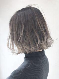 裾グラデーションボブ_ジグザグバング3Dカラー_ba120261/ALBUM SHINJUKU【アルバム シンジュク】をご紹介。2019年冬の最新ヘアスタイルを300万点以上掲載!ミディアム、ショート、ボブなど豊富な条件でヘアスタイル・髪型・アレンジをチェック。 Two Color Hair, Hair Color Streaks, Balayage Hair, Ombre Hair, Brown And Silver Hair, Hair Colour Design, Gradient Hair, Aesthetic Hair, Hair Arrange