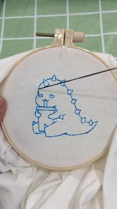 Diy Embroidery Designs, Embroidery Stitches Tutorial, Embroidery On Clothes, Hand Embroidery Stitches, Hand Embroidery Videos, Creations, Clothing, Projects, Anime