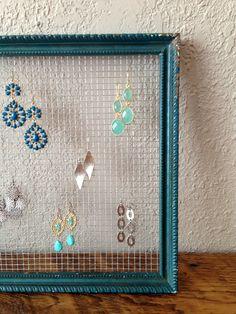 Diy Earring Holder, Earring Storage, Diy Jewelry Holder, Jewelry Organizer Wall, Jewellery Storage, Jewellery Display, Earring Display, Homemade Earring Holders, Earing Organizer