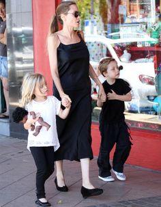 Angelina Jolie et les jumeaux Knox et Vivienne