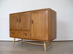 A 1950s ELM & BEECH SIDEBOARD CABINET LUCIAN ERCOLANI FOR ERCOL retro heals 50s Sideboard Cabinet, Credenza, Ercol Furniture, 1950s, Healing, Retro, Storage, Amp, Home Decor