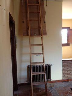 Colocación de escalera plegable