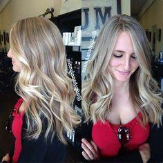 TOP 30 cabelos loiros com mechas perfeitas e dicas do que não se deve fazer na hora de pintar as madeixas com luzes e mechas! http://salaovirtual.org/cabelo-loiro-mecha/ #cabelosloiros #luzes #mechas
