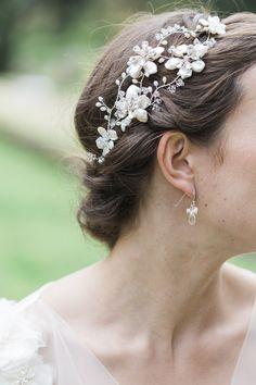 Hermione Harbutt Florrie Blossom | Amy Fanton Photography | #bridal #hairpiece…
