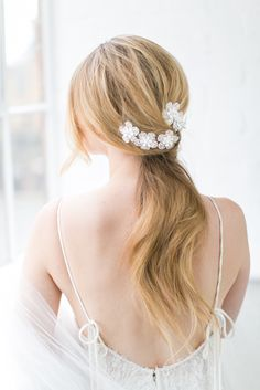 Our duo combs are designed in lovely clean and modern floral shapes. Delicate handcrafted textured flowers with acrylic coating and pearl/gold centres create a delightfully feminine appeal. The combs can be worn in different ways as shown. – Mounted on gold plating combs – Designed and handmade in England Add to wish list £85.00 – Purchase Checkout …