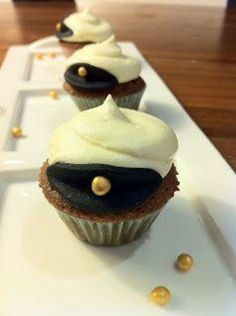 The student time is soon here and the party preparations are in full swing. Student Desserts, Bagan, Finnish Recipes, Desert Recipes, No Bake Cake, Cookie Decorating, Cookie Recipes, Sweet Tooth, Sweet Treats