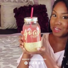 How to Make a Personalized Glitter Mason Jar #darbysmart #diy #masonjar #glitter #tutorial