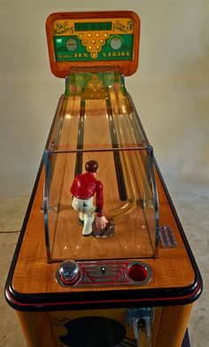 "5 Cent Evans ""Ten Strike"" Arcade Bowling Skill Game : Lot 408"