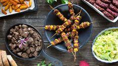 Šetříte na dovolenou a trpíte při pomyšlení na měsíc o chlebu a vodě? Vařte chytře! S využitím sezonní zeleniny, luštěnin, ale i masa se dá vařit vyváženě, chutně, a přitom levně. Pojďte se přesvědčit! Beef, Ethnic Recipes, Fit, Meat, Ox, Ground Beef, Steak