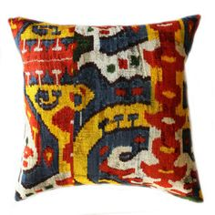 Macit Pillow Multi now featured on Fab.