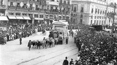 1910. Cabalgata de Reyes en la Puerta del Sol