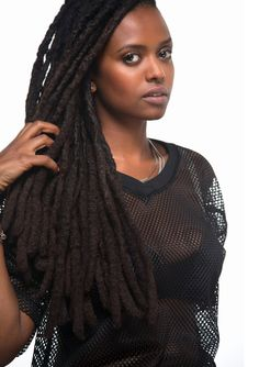 18-15n-77-30w: misterand: Kelela | Jason Rodgers 18° 15' N, 77° 30' W These locs are phat !