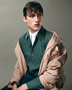 winter mens fashion which look really great! Male Photography, Editorial Photography, Desert Photography, Fashion Shoot, Editorial Fashion, Male Editorial, Fashion Rings, Poses, Juun J