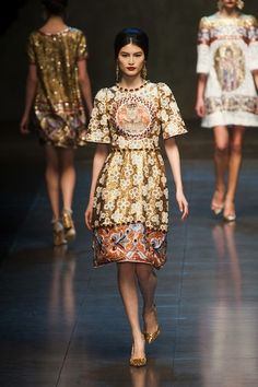 Another gorgeous dress from D&G fall collection.