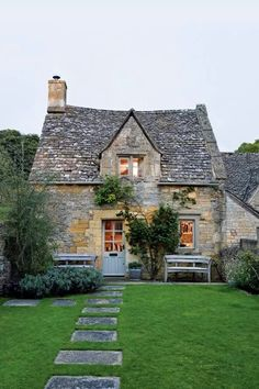 Escape to this eighteenth-century cottage in the Cotswolds - I just want to live. Escape to this eighteenth-century cottage in the Cotswolds – I just want to live… Escape to this eighteenth-century cottage in the Cotswolds – I just want to live here! Stone Cottages, Cabins And Cottages, Stone Houses, Stone Cottage Homes, Cotswold Cottages, Cottages England, Brick Cottage, Log Houses, River Cottage