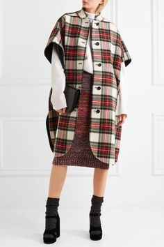 Burberry is a quintessential British brand . When I think of Burberry I think of all those very British country pursuits. Burberry Skirt, Plaid Outfits, Top Designer Brands, Preppy Style, Tartan, Wool Blend, Personal Style, Casual, How To Wear