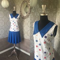 Vintage 1960's Red White and Blue Daisy Print by pursuingandie