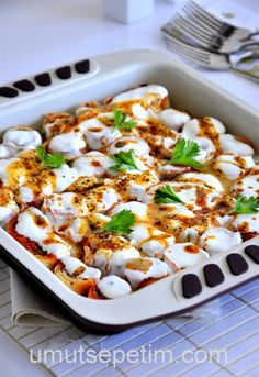 Hazir yufkayla kolay manti Tavuk tarifleri – The Most Practical and Easy Recipes World Recipes, Chef Recipes, Meat Recipes, Cooking Recipes, Big Chefs, Turkish Recipes, Ethnic Recipes, Good Food, Yummy Food