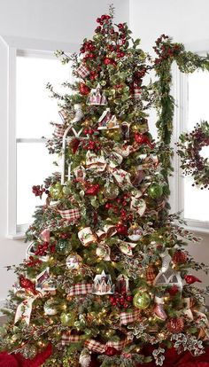 Gorgeous Chirstmas Tree Decorations Ideas 2017 32 image is part of 60 Gorgeous Christmas Tree Design Ideas in 2017 gallery, you can read and see another amazing image 60 Gorgeous Christmas Tree Design Ideas in 2017 on website Christmas Tree Design, Beautiful Christmas Trees, Christmas Tree Themes, Noel Christmas, Holiday Tree, Country Christmas, Christmas Tree Decorations, Holiday Decor, Whimsical Christmas