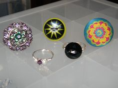 Some new ring ideas. Diy Crochet Owl, Crafts, Craft Ideas, Ring, Manualidades, Rings, Jewelry Rings, Handmade Crafts, Craft