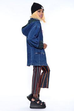 Vintage 1990s Oversized DENIM Plaid Flannel Grunge HOODED Parka Baggy Jean Jacket Coat | eBay Love Jeans, Hooded Parka, Plaid Flannel, Jean Jackets, Denim Fashion, Distressed Jeans, 1990s, Blue Denim, Grunge
