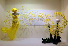 Amarillo... que te pillo! Proyecto realizado por las alumnas del máster de Escaparatismo y Visual Merchandising de Ártidi Elisabetta y Yana.
