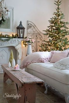 """Love this """"coffee table"""" Romantic Christmas home by Janet of Shabbyfufu. Home tour featured on Shabbiliicous Sunday by Shabby Art Boutique. Shabby Chic Mode, Shabby Chic Interiors, Vintage Shabby Chic, Shabby Chic Style, Shabby Chic Furniture, Shabby Chic Decor, Shabby Chic Zimmer, Vibeke Design, Deco Addict"""