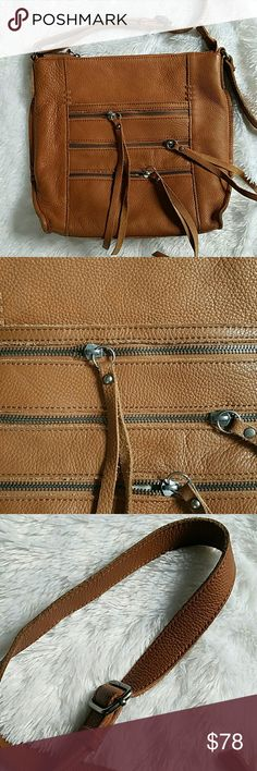 [ l u c k y . b r a n d . c r o s s b o d y ] Lucky brand leather crossbody in perfect condition Lucky Brand Bags Crossbody Bags
