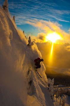 "Revelstoke Mountain Resort in the Kootenay Rockies region of BC. ""Rene Crawshaw skiing powder at Revelstoke"" Ski Extreme, Ski Freeride, Pictures Of The Week, Sport Fitness, Snow Skiing, Alpine Skiing, Mountain Resort, Mountain High, Jolie Photo"