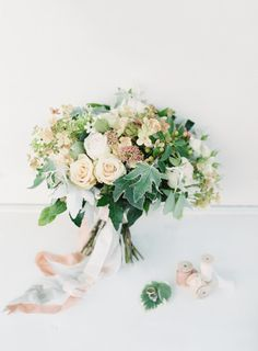 Simply pretty: http://www.stylemepretty.com/2015/01/02/romantic-garden-party-wedding/ | Photography: O'Malley - http://omalleyphotographers.com/