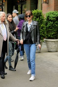 """Dakota Johnson- """"In my next movie, I'll play a sociopath and I am planning to move. I don't know where yet but Los Angeles is too tight fitting for me right now. Dakota Johnson Street Style, Dakota Style, Her Style, Cool Style, Vanessa Hudgens Style, 70s Fashion, Street Fashion, Bomber Jacket, Casual"""