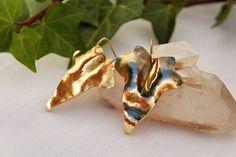 Boho earrings Ivy Leaves Earring Hammered Brass Earrings Elfic medieval jewelry Handmade Jewelry, gift for her, light earrings de AshtartJewelry en Etsy