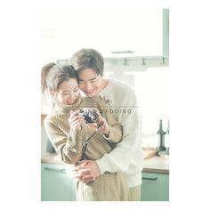 Korean Wedding Photography, Couple Photography Poses, Bridal Photography, Seoul Photography, Girl Photography, Pre Wedding Poses, Pre Wedding Photoshoot, Prewedding Photoshoot Ideas, Korean Couple Photoshoot