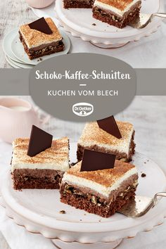 Schoko-Kaffee-Schnitten Chocolate coffee slices: Loose chocolate cake from a tray with chocolate cre Easy Homemade Desserts, Homemade Vanilla Cake, Easy Vanilla Cake Recipe, Homemade Cake Recipes, Chocolate Cake Recipe Videos, Chocolate Chip Cake, Chocolate Chip Recipes, Chocolate Coffee, Chocolate Pudding