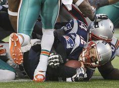 Tom Brady gets into the end zone!