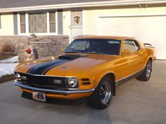 Beautiful 1970 Ford Mustang Mach 1